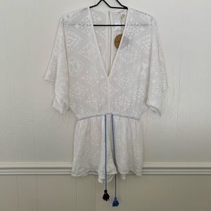 NWT Honey Punch white embroidered romper size S